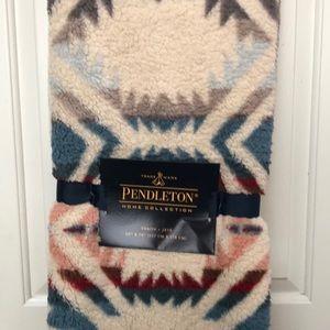 Pendleton Reversible Sherpa Fleece Throw Blanket